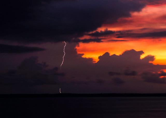 Lightning at Sunsest, Darwin