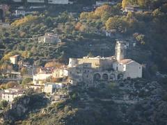 Bonson situé de l'autre coté de la Vallée du Var