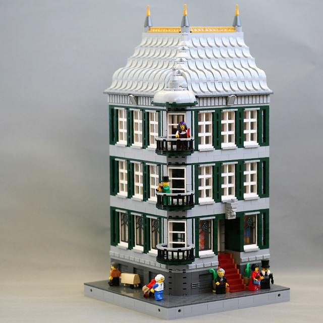 [MOC] High Society Corner Building