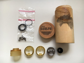The GOM Ultimate as I received it, with all accessories and wooden packing tube